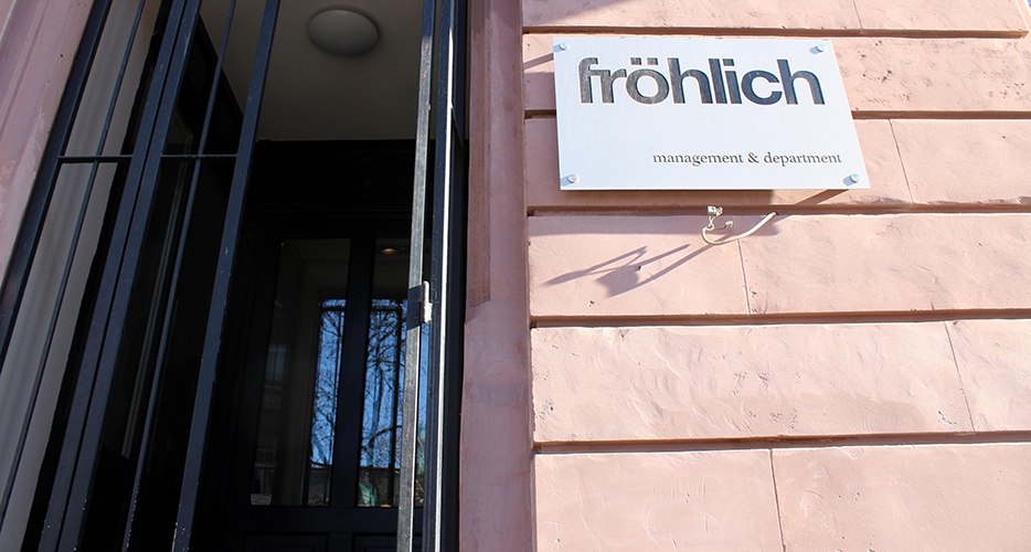 Fröhlich Management Entrance
